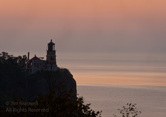 Split-Rock Lighthouse at sunrise