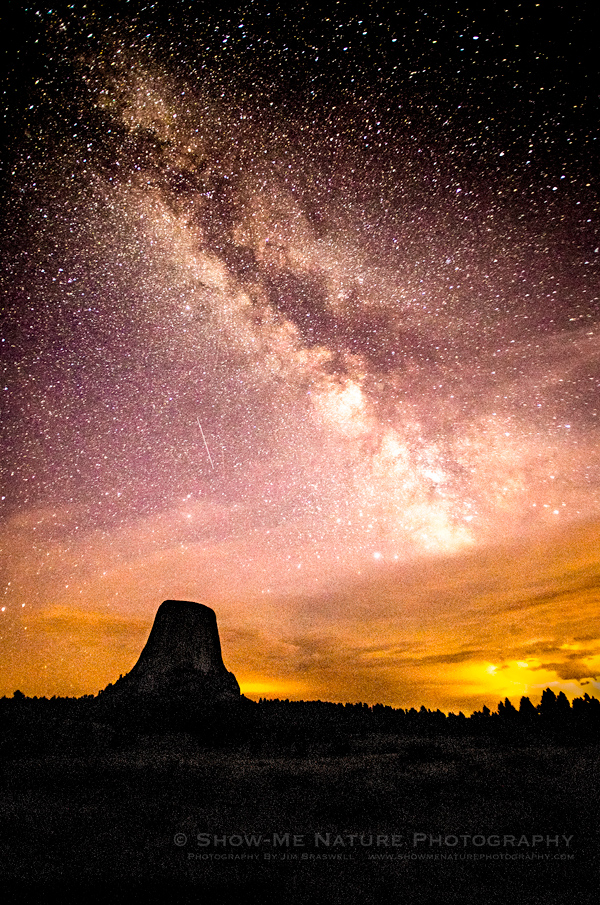 Perseid meteor shower & Milky Way over the Devil's Tower