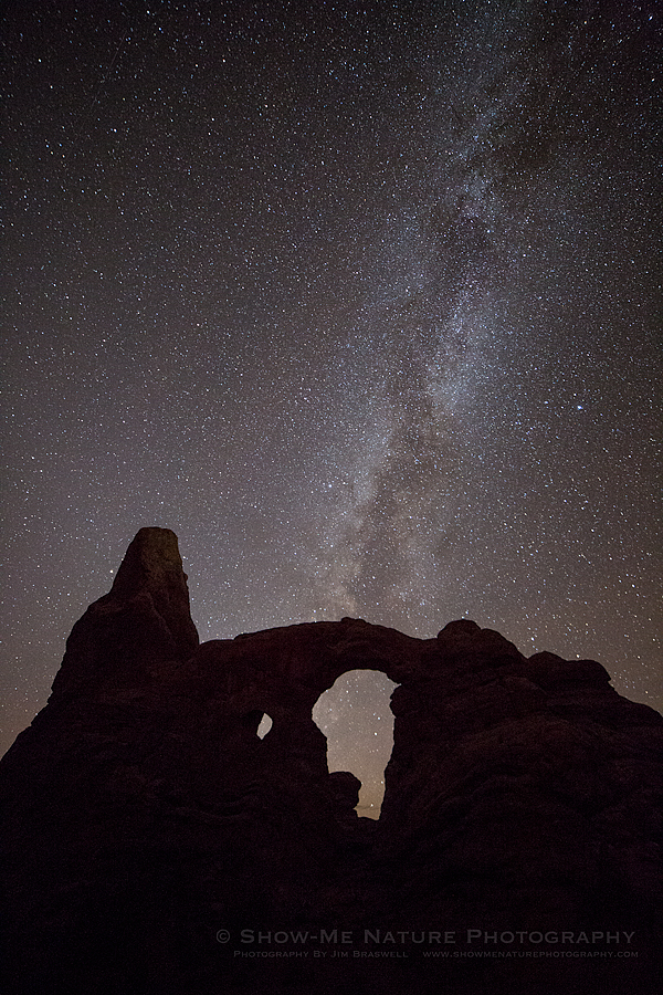 Stars and the Milky Way over Turret Arch